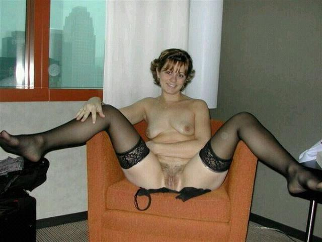 Older bitches pussy opened and invite for sex 28 photo