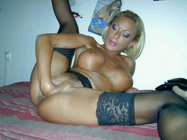 Older bitches pussy opened and invite for sex 26 photo