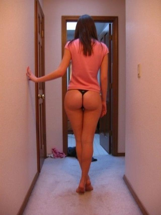 Girls with sweet asses in sexy thongs 3 photo
