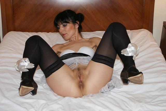 Adult brunette shows her acting pussy in all positions 52 photo