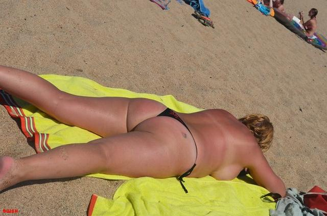 Sweet plump woman with great tits decided find a beau on the beach 16 photo