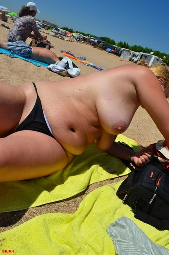Sweet plump woman with great tits decided find a beau on the beach 8 photo