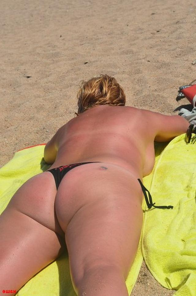 Sweet plump woman with great tits decided find a beau on the beach 15 photo