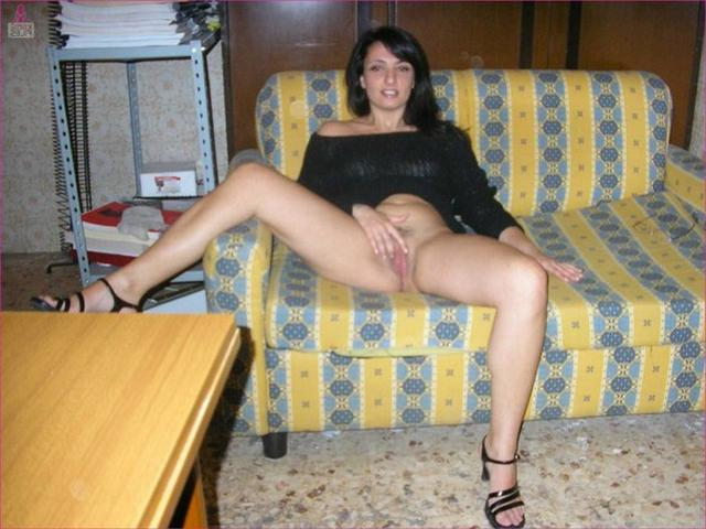 Depraved Italian elegant presents her forms 4 photo