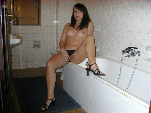 Depraved Italian elegant presents her forms 6 photo