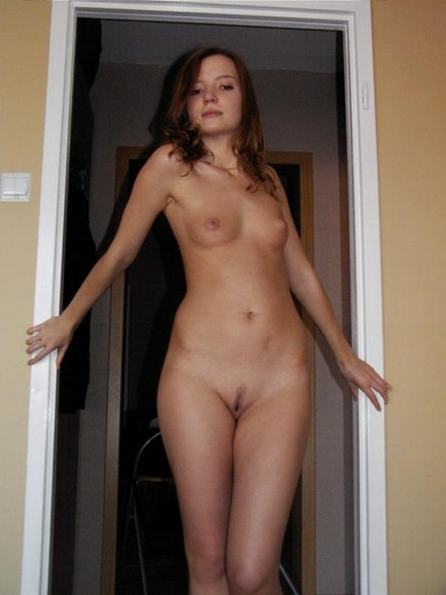 Skillfully hesitate young girl posing topless 6 photo