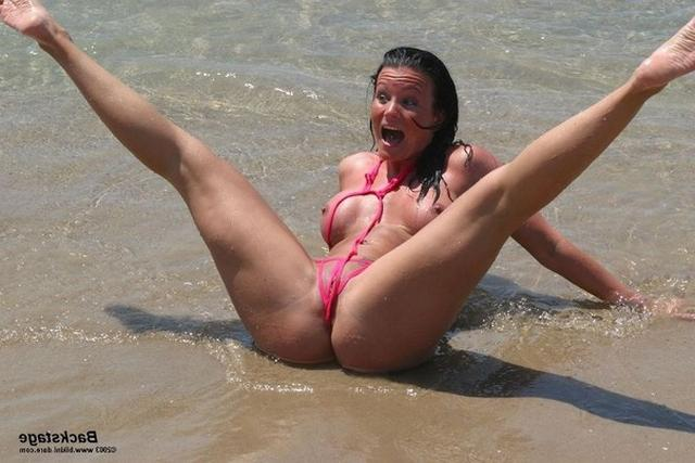 Sexy and shapely girls have fun at the beach 20 photo
