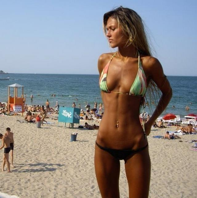 Sexy and shapely girls have fun at the beach 25 photo