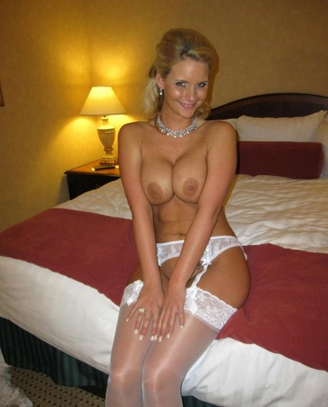 Anxious bride spreads legs and stick out their asses 5 photo