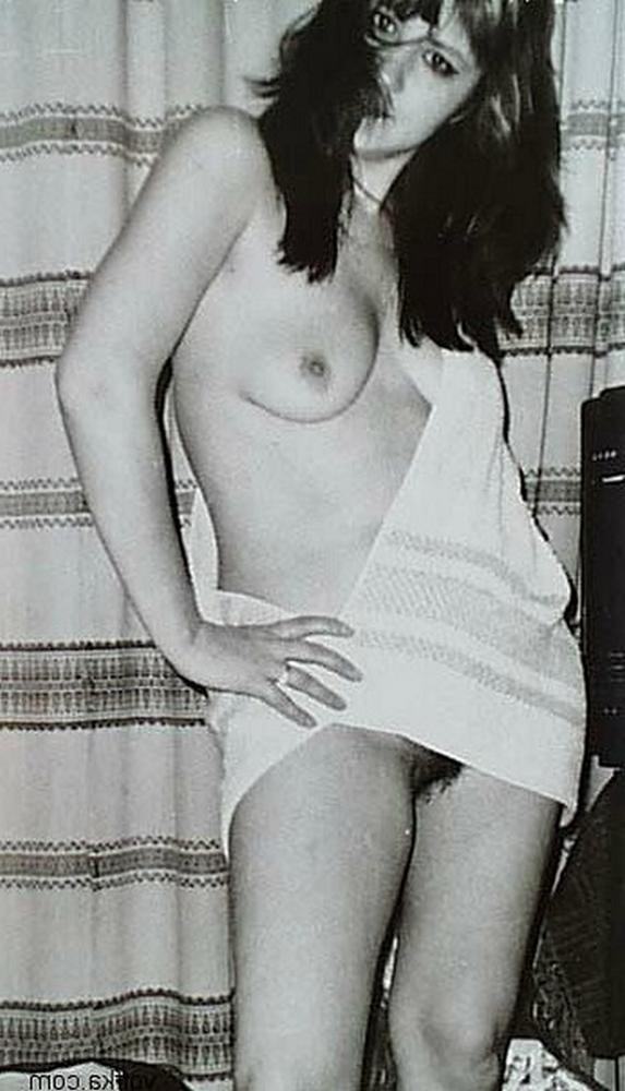 Porn photo from 80s with charm wet pussies 17 photo