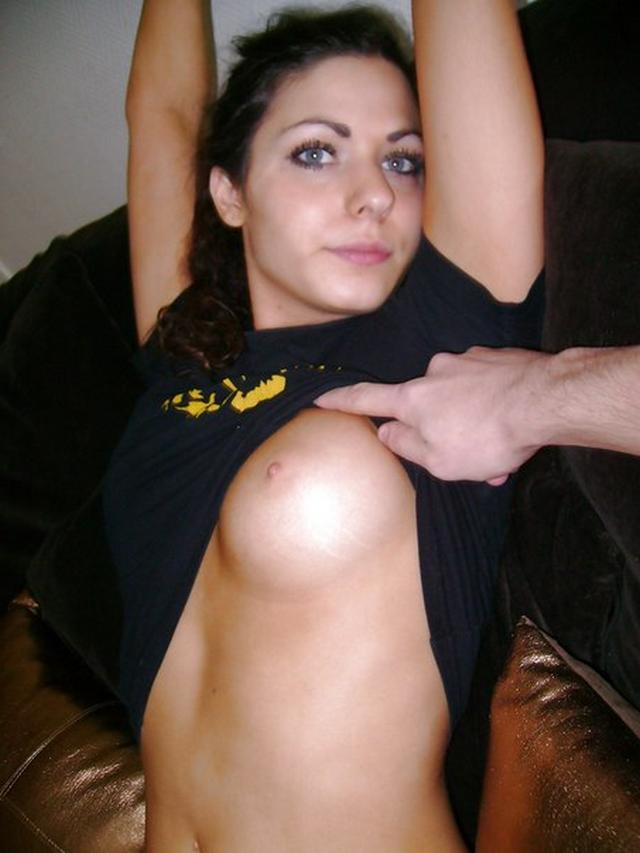 Young busty tourist do not mind to have sex with a stranger 5 photo