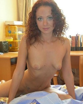 Naked Irina with curly hair - Porn photo