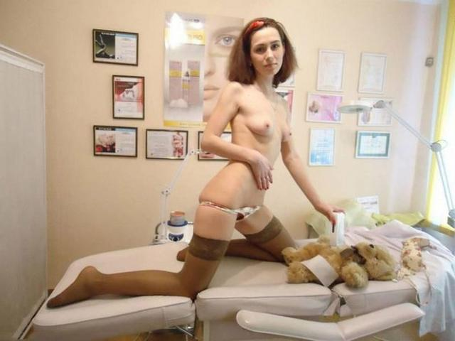Young and the most ordinary girls nude 13 photo