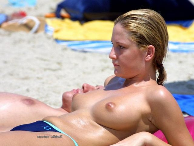 Nudists nothing and no one hesitates 24 photo