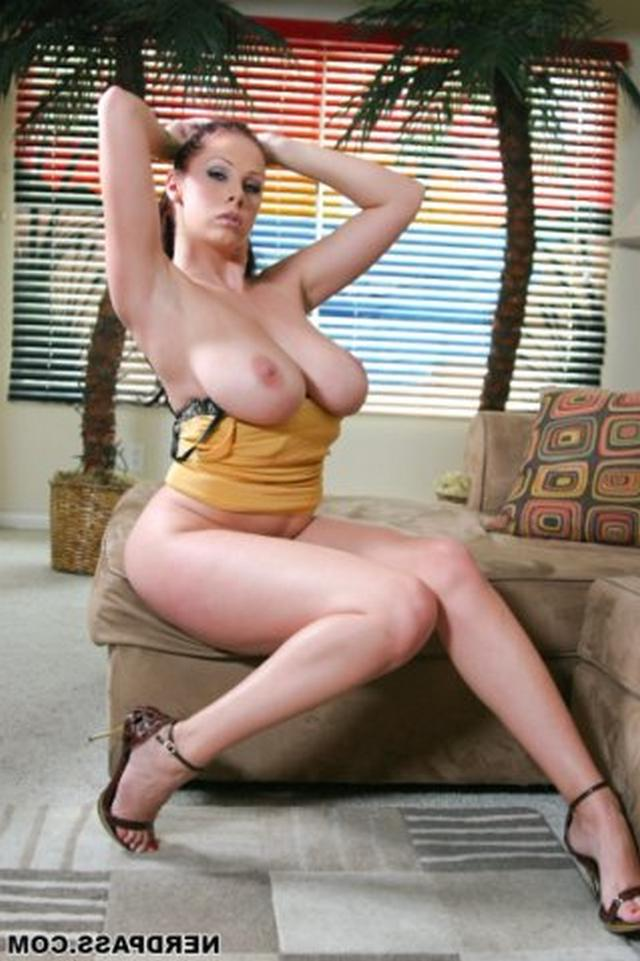 Huge pink tits famous porn star Gianna Michaels 20 photo