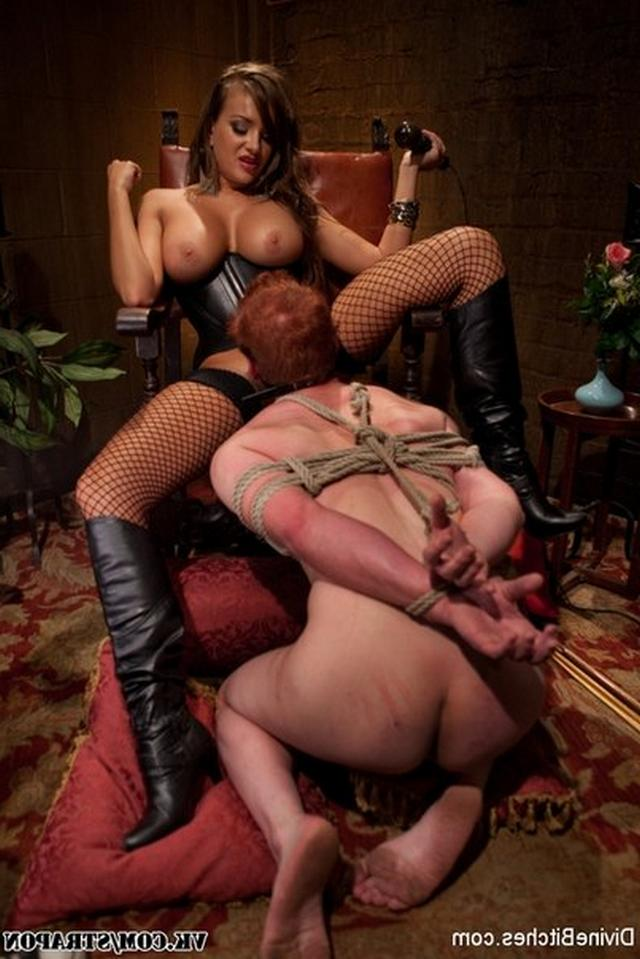 Men licks anal and pussy their mistresses 15 photo