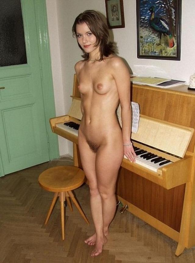 голые домашние девушки девушка