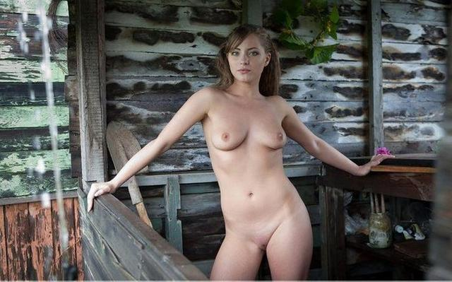 Beautiful nacked girls have fun in the country 12 photo