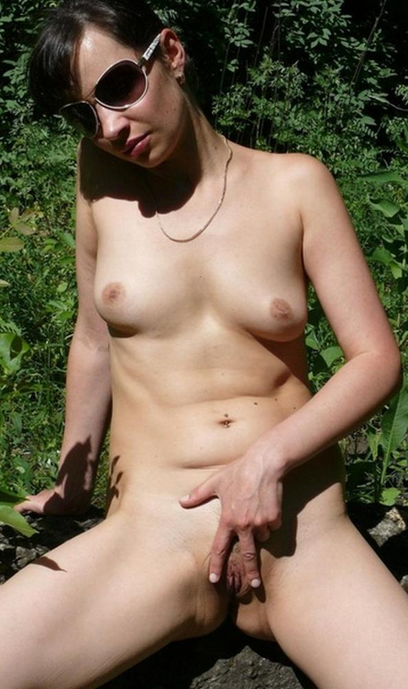 In the forty years her pussy is still very fresh and horny 6 photo