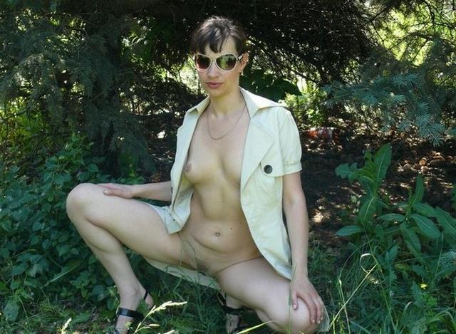 In the forty years her pussy is still very fresh and horny 7 photo
