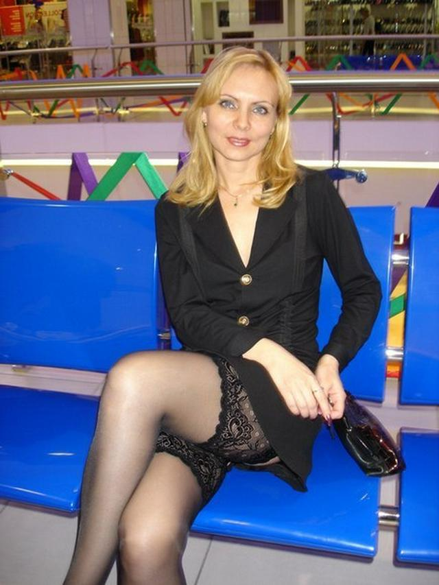 Blonde milf in a beautiful linen and silk stockings fucks with husband 11 photo