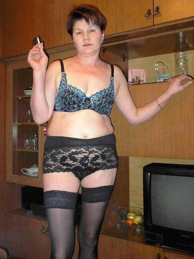 Drunk Grandma tried on sexy lingerie 2 photo