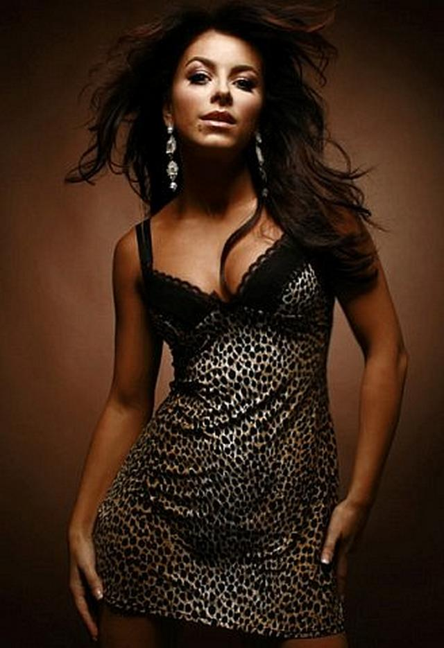 Singer Ani Lorak posing in erotic clothes and does blowjob 6 photo