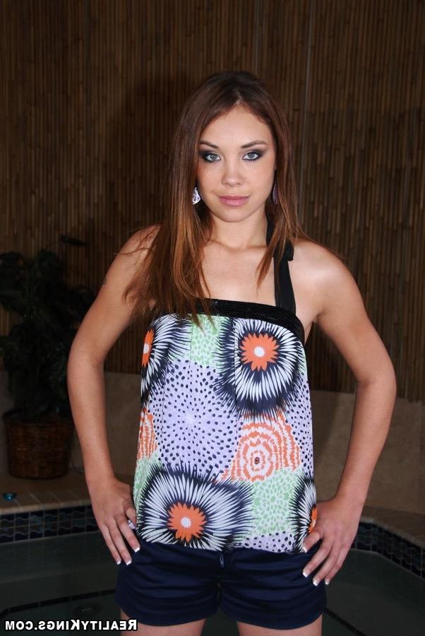 First sexual experience to redhead beauty with a stranger 1 photo