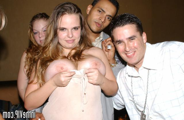 Man on the alco party seduced two bitches 10 photo