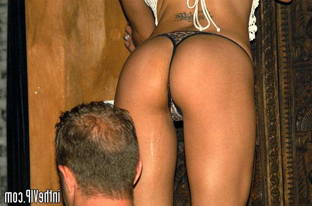 Curly tanned babe have sex in the VIP bar 7 photo
