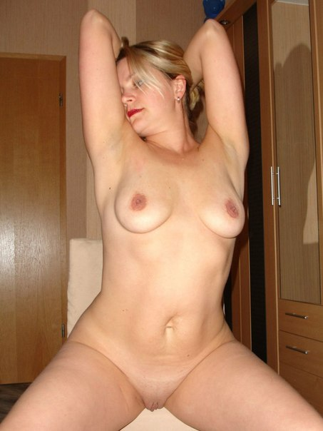 Pussy for everyone to see - adult intimate photo 20 photo