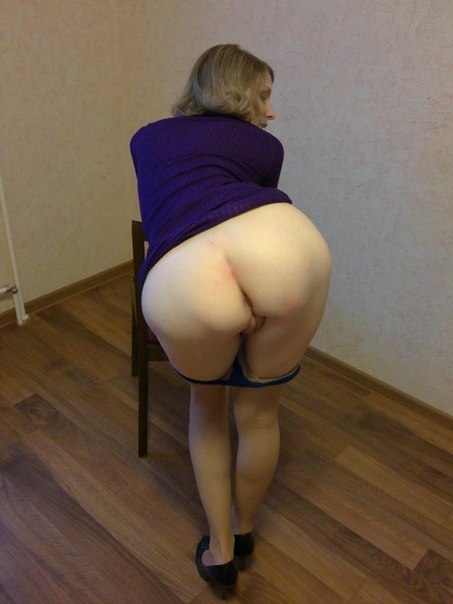 Girls show their round tasty asses 22 photo