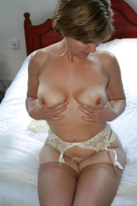 Granny slut with round ass and beautiful boobs 13 photo
