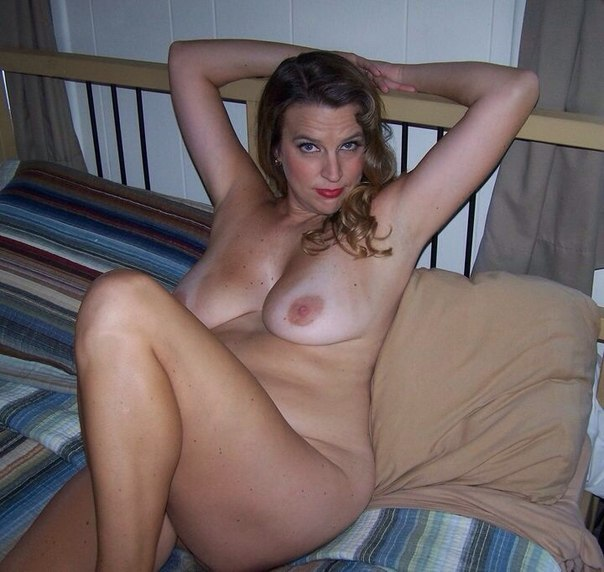 Mature moms in stockings openly shows themselves 6 photo
