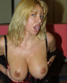 MILF with nice breasts and hot mouth