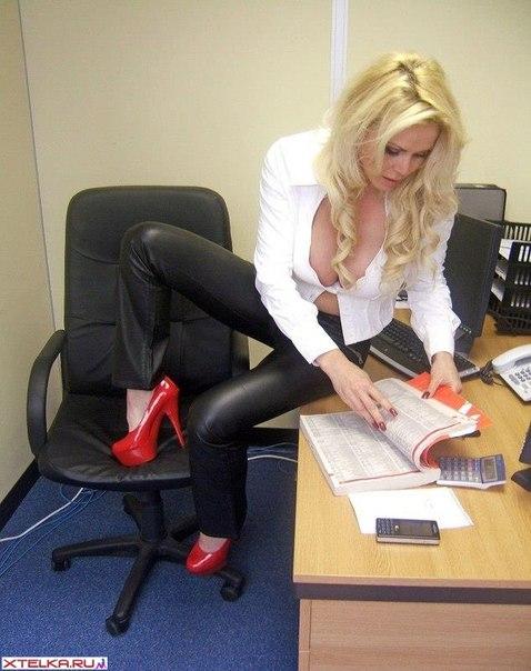 New secretary - dazzling blonde with massive boobs 1 photo