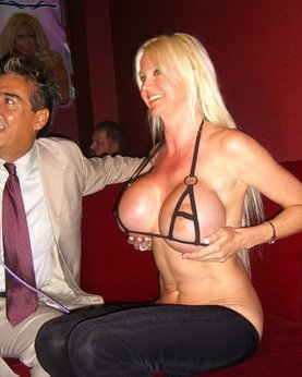 Mature wife with big tits unfaithful to her husband in nightclubs