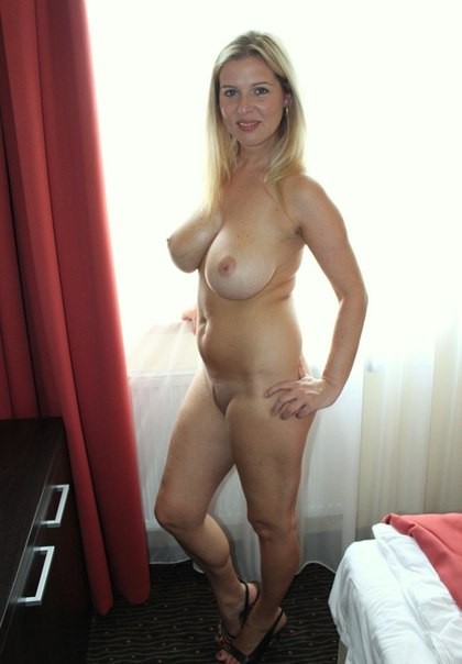 Middle-aged ladies with beautiful forms of naked photo 17 photo