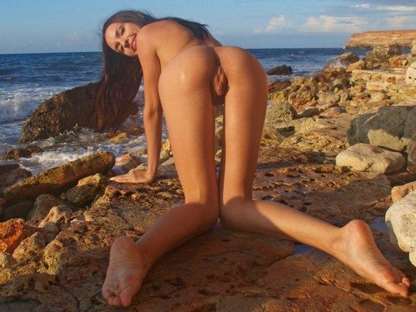 голые попки нудистов фото