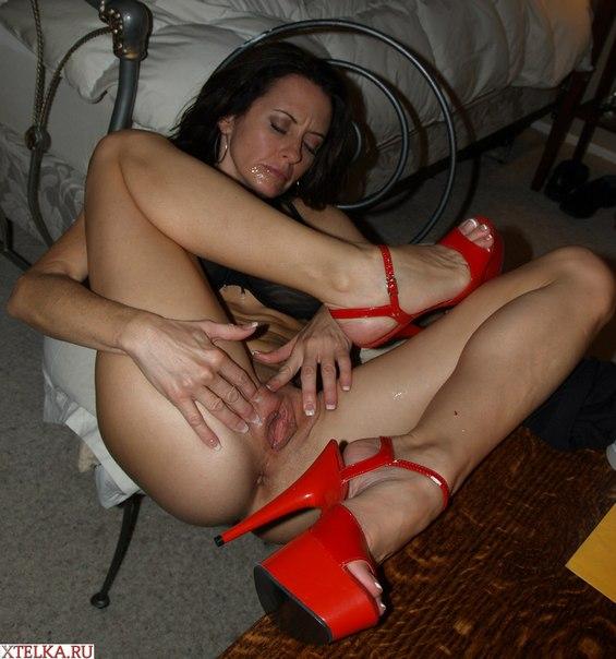 Порно фото зрелых женщин с педикюром фото 638-209