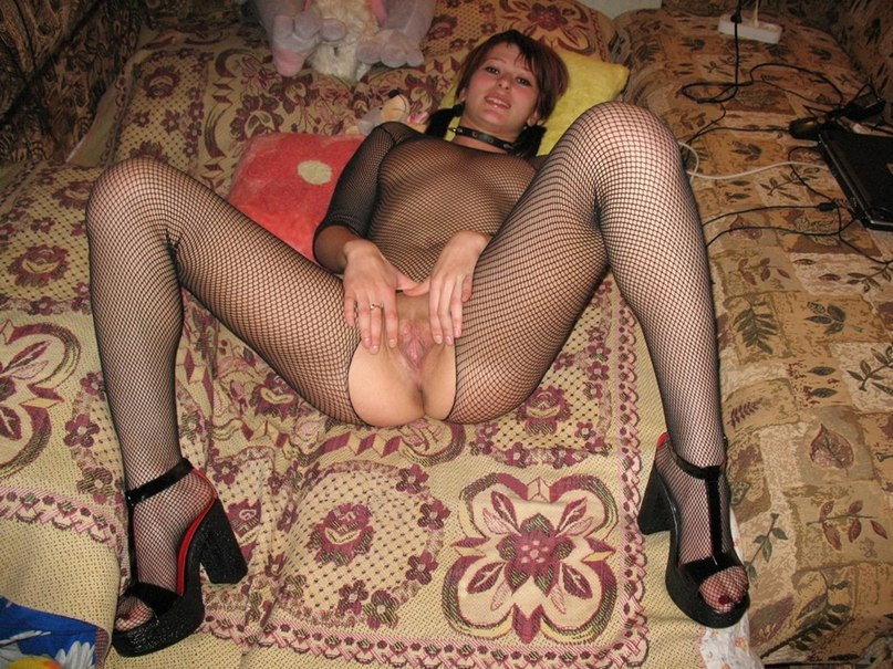 Slut in nurse costume and red stockings  makes a blowjob to her man 5 photo