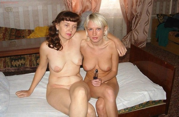 Beautiful wives on face and body likes doggy 17 photo