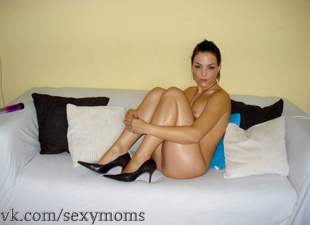 Very beautiful mom from Kharkov - porn photo 1 photo