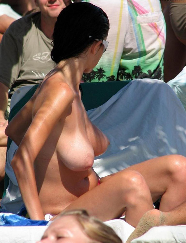Spying on the beach for the topless women 8 photo