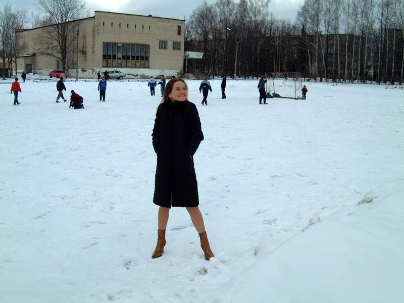 Football cheerleader stripped at the playground in the winter 2 photo