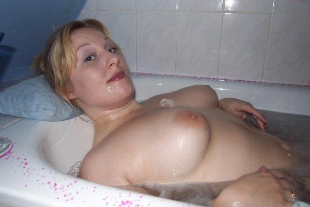 Bbw blonde filmed naked in bathroom 11 photo