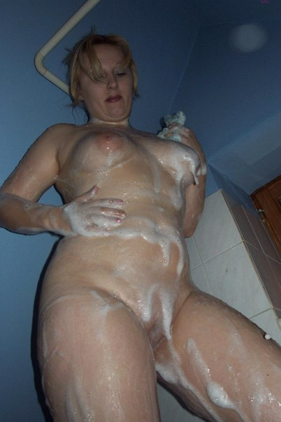 Bbw blonde filmed naked in bathroom 3 photo