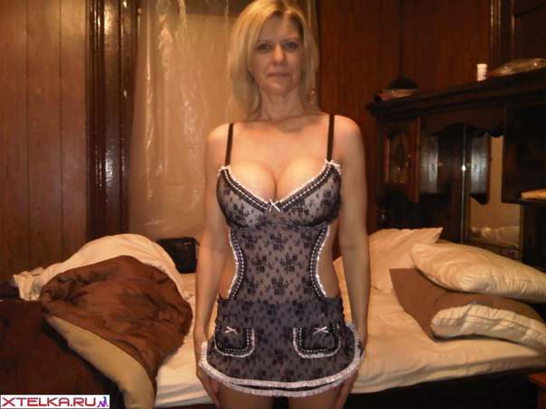 Sexy mature ladies presents their naked photo 25 photo