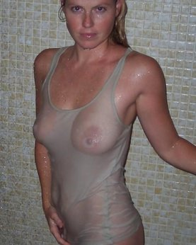 Wet tits under the shirt - photo of big boobs