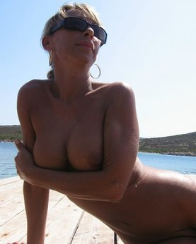 Mature naked 48 years old Ira on the beach